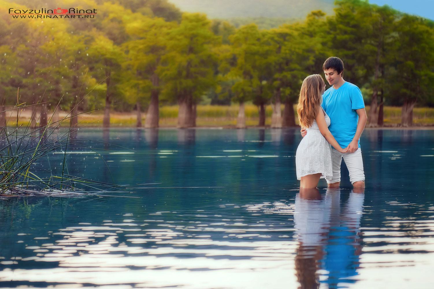 фотосессия пары на озере в сукко