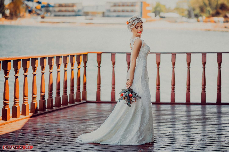позы невесты на набережной