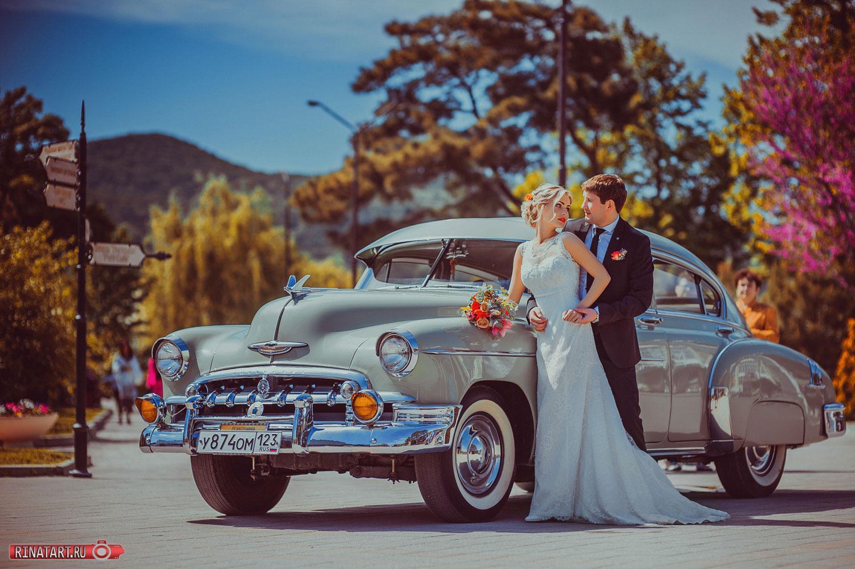 фото свадьбы на ретро машине
