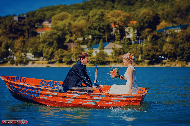 место для сьемка в лодке