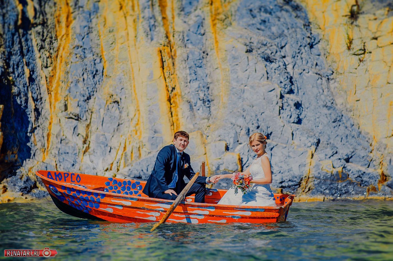 фото на лодке молодых