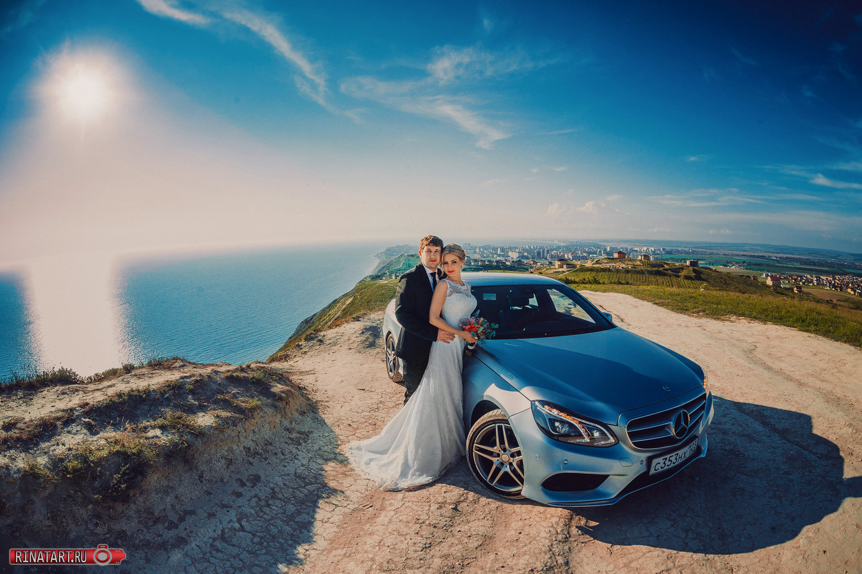 Профессиональная фотосессия прогулкижениха и невесты
