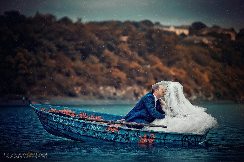 прогулочное фото на лодке
