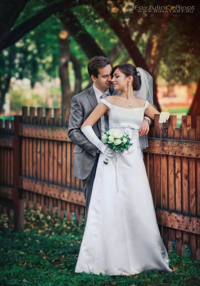 постановачная свадебная фотосессия в парке