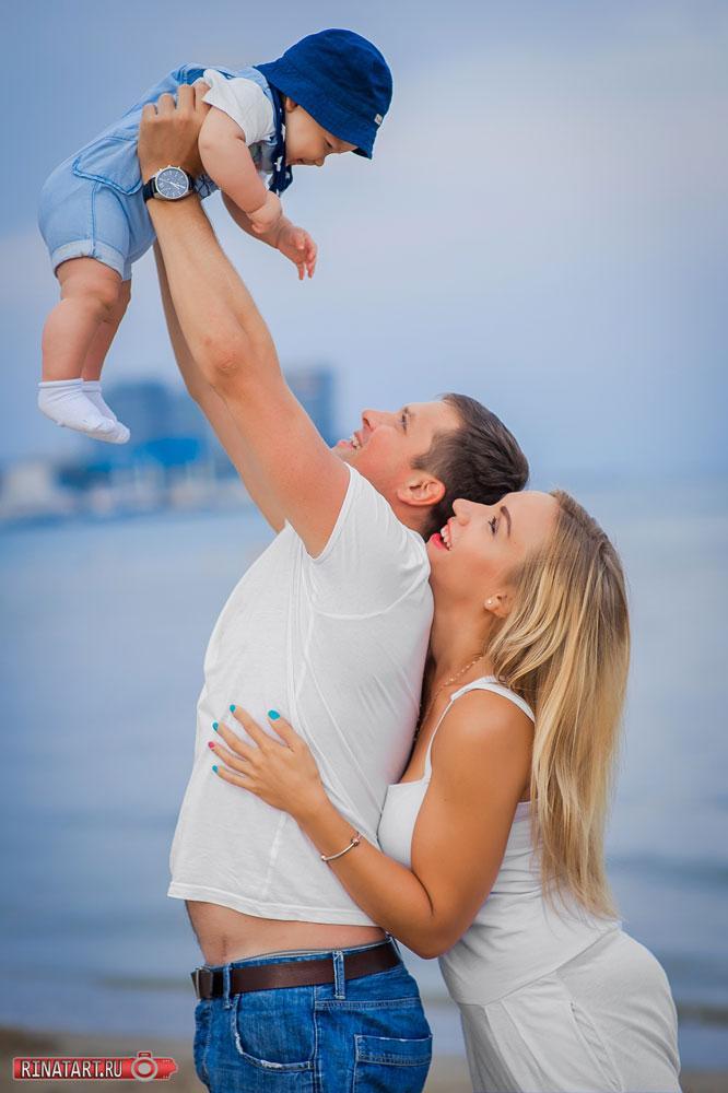 Лучшие фотографии семьи на море